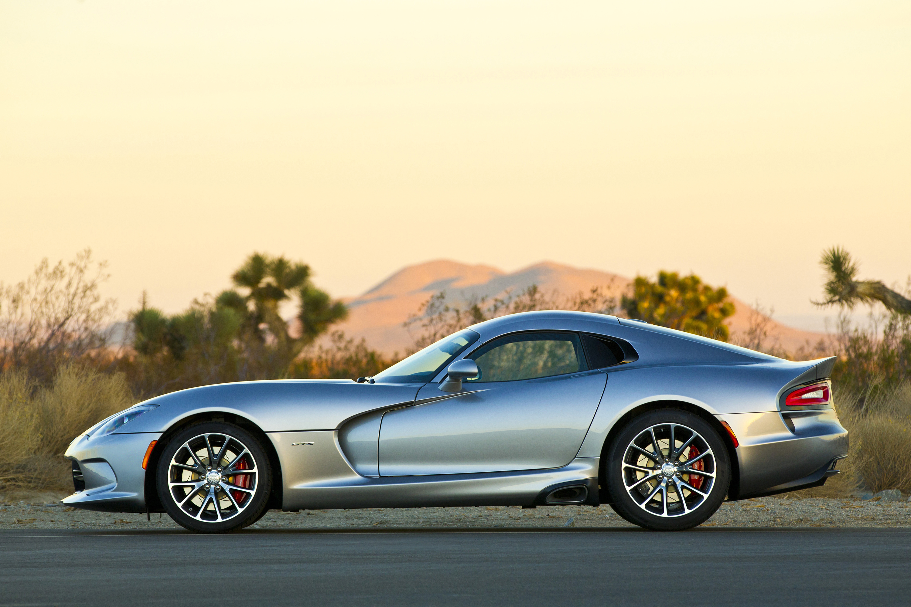 Daily Wallpaper: 2015 Dodge Viper GTS | I Like To Waste My Time