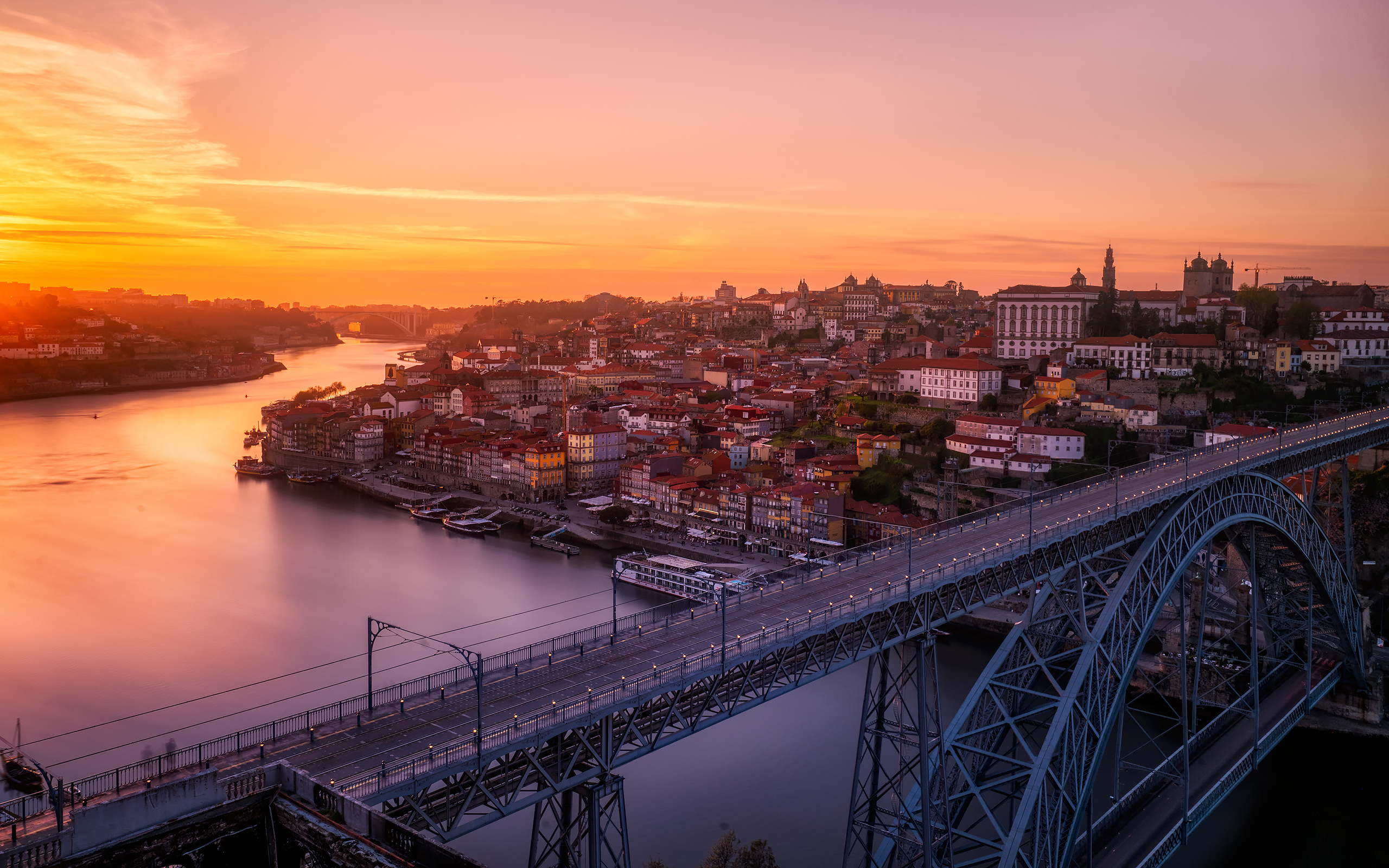 Daily Wallpaper: Sunset in Porto, Portugal | I Like To ...