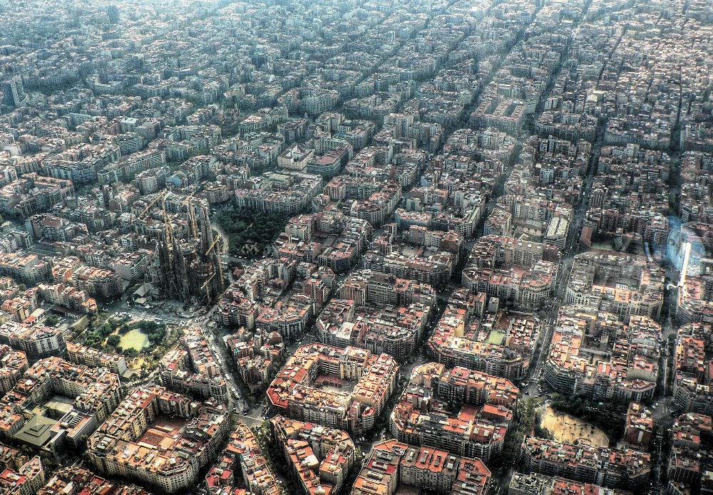 Symmetrical design of eixample barcelona i like to for 4 1 architecture view