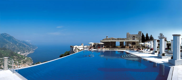 15 most amazing swimming pools from around the globe i for Hotels in ravello with swimming pool