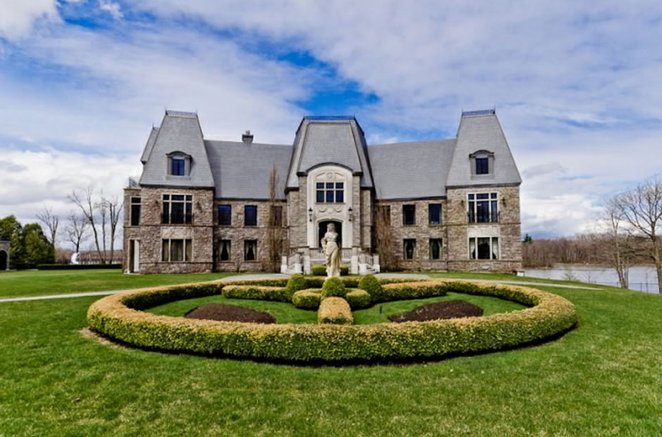 Celine dion 39 s private island mansion 13 pics i like to for Belle case in canada
