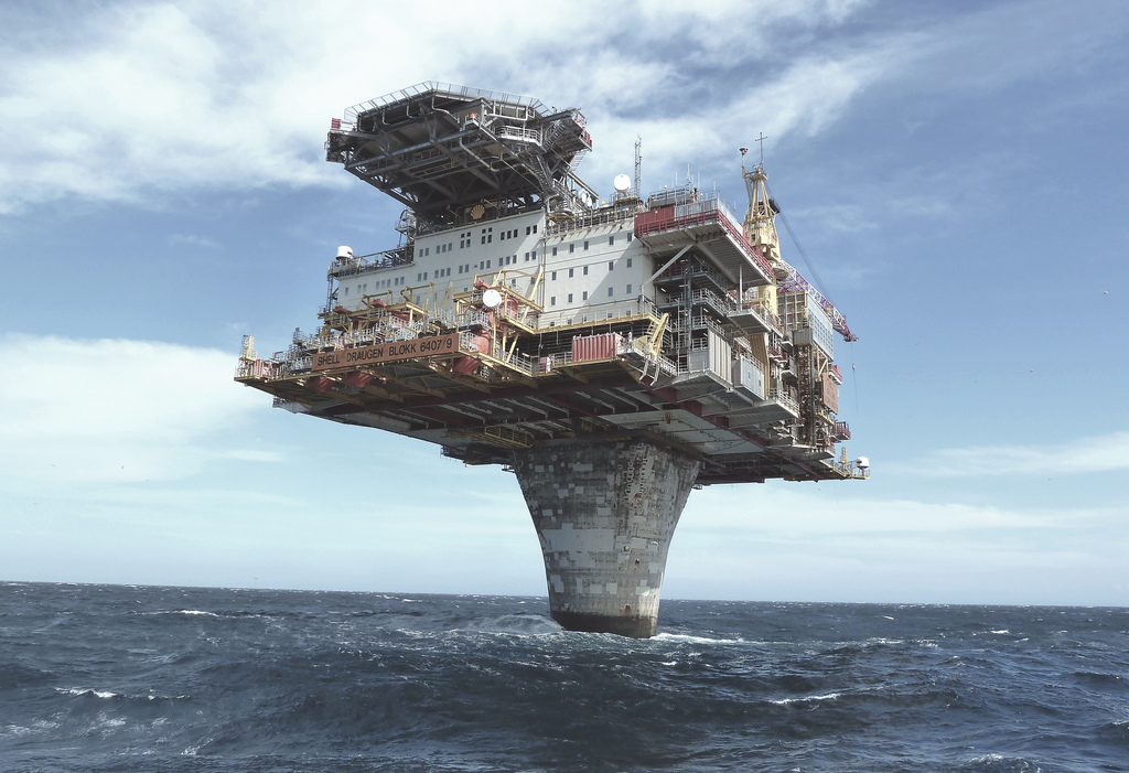 I Like To Waste My Time: Norway's Draugen Oil Platform Is An Engineering Marvel