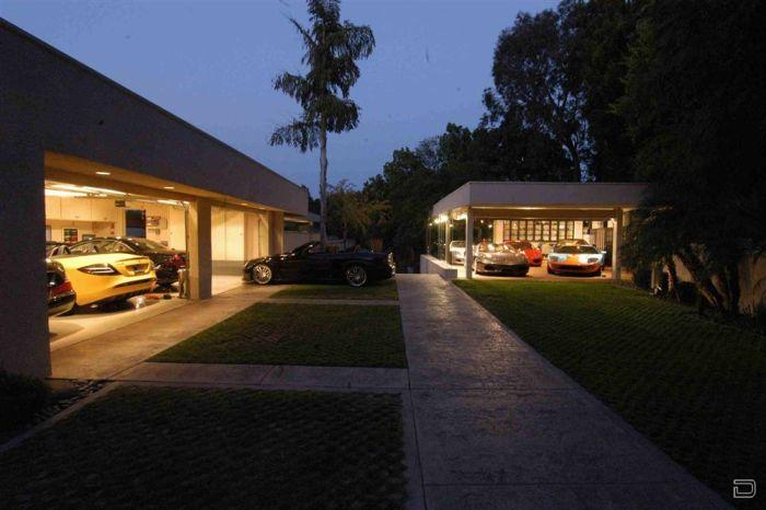 High end cars need luxury garages i like to waste my time for How much to build a 1 car garage