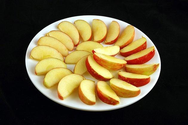 Different Foods 200 Calories Apples