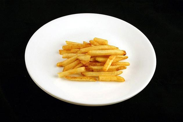 Different Foods 200 Calories Fries