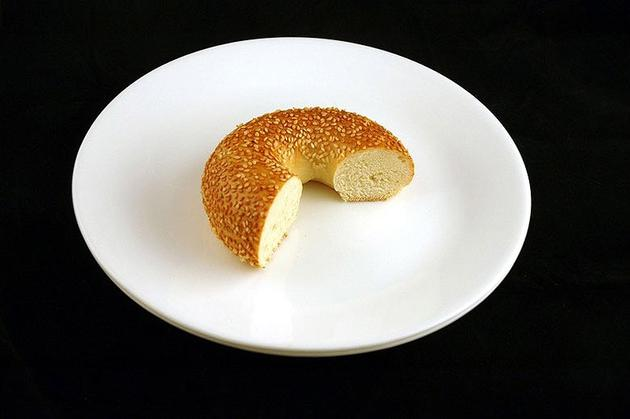 Different Foods 200 Calories Bagel