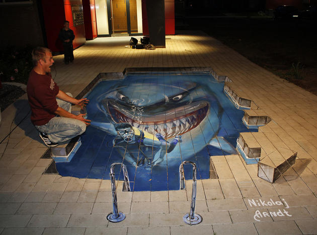 3D Street Art by Nikolaj Arndt - shark nemo