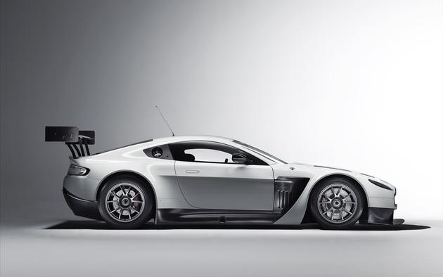 Aston Martin Vantage GT3 Big Wallpaper