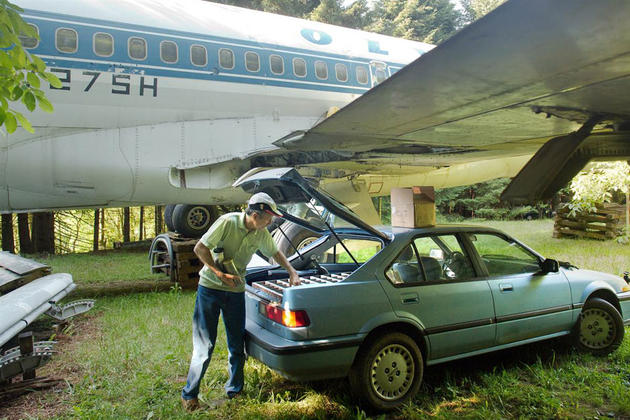 Boeing 727 wings used as a garage