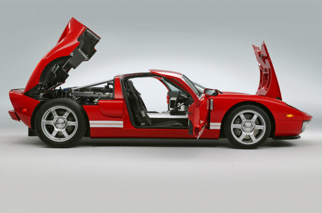 Ford GT doors open