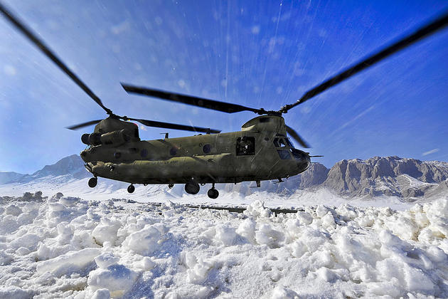 A Snowy landing for a CH-47 Chinook