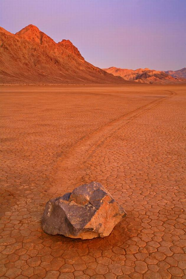 Sailing rocks in death valley