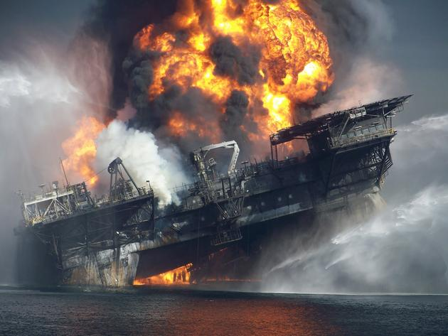 Burning BP Platform Gulf of Mexico