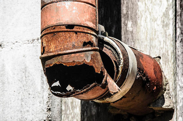 Rusted Pipe Face