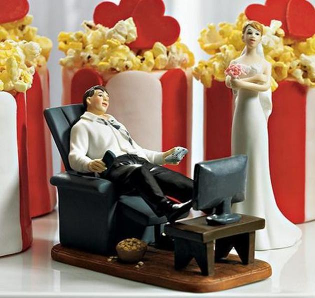 hilarious wedding cake toppers i like to waste my time