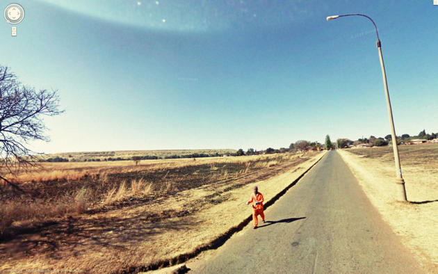 Criminal running away Google Maps