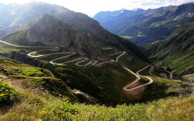 Driving heaven Gotthard Pass Wallpaper