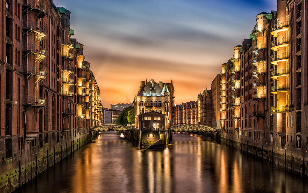 Hamburg Germany water canal Nicolas Kamp