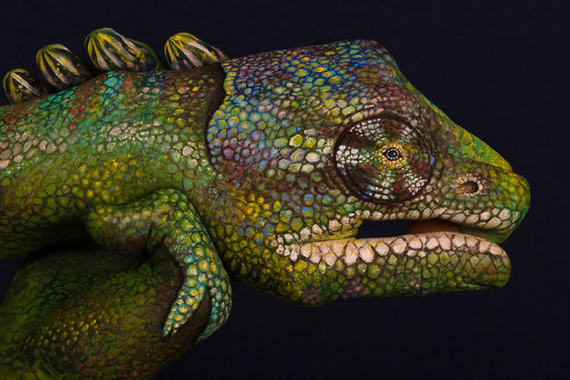 Creative hand painting by Guido Daniele