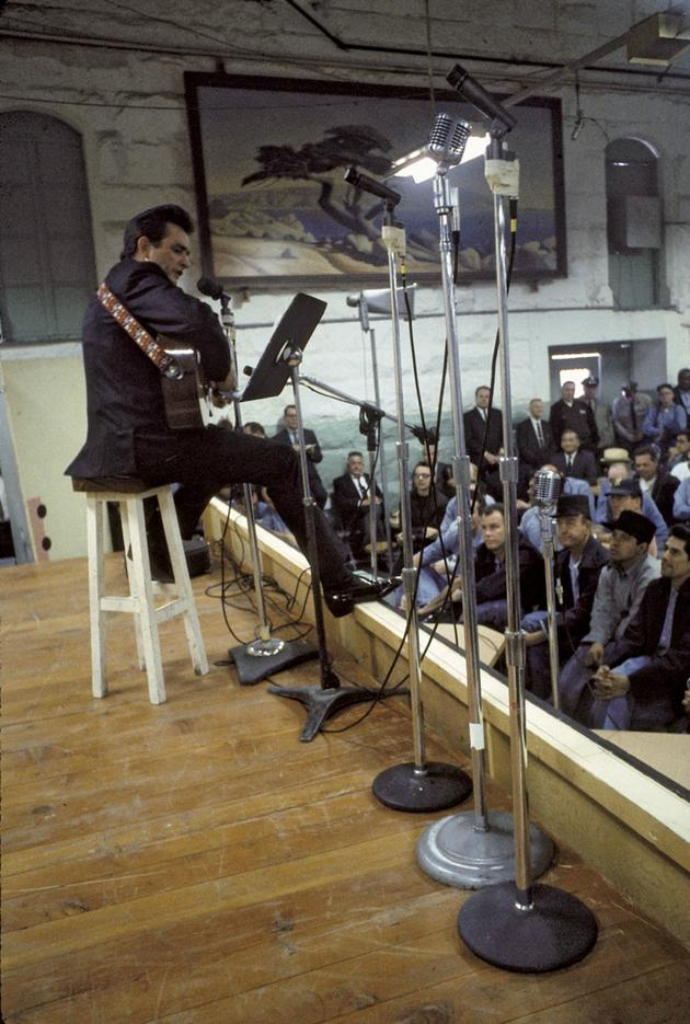 Johnny Cash Performing for prisoners