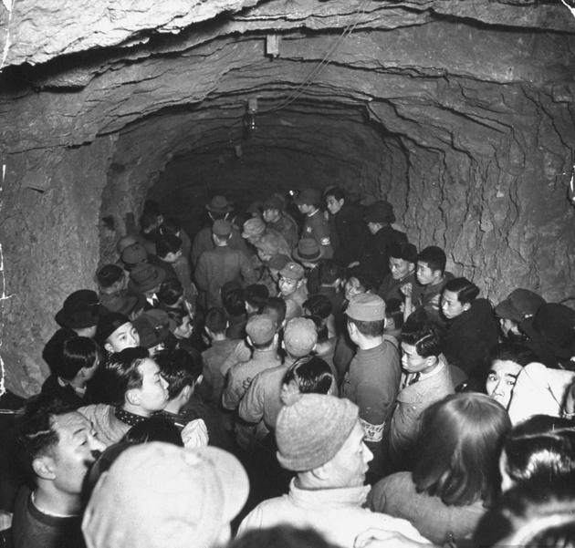 Bomb Shelter in japan-1939