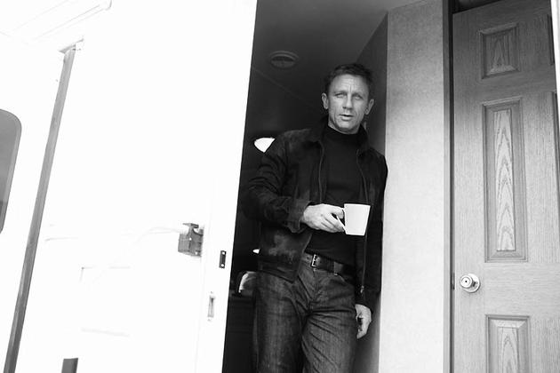 Daniel Craig drinking coffee 007