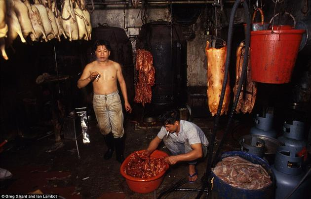 A butcher shop with no health regulations in Kowloon City