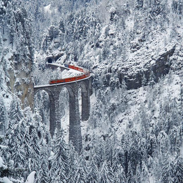 Landwasser Viaduct during winter