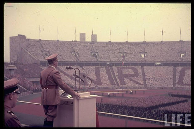 hitler making speech