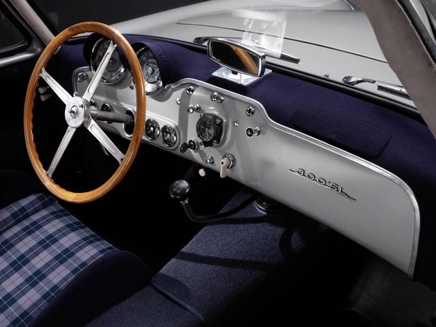 A Highly Detailed Restoration of Mercedes 300SL