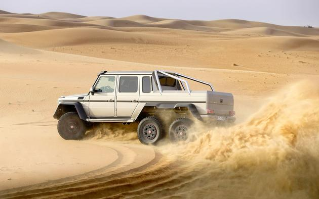 Mercedes G63 AMG Drifiting in the Desert Wallpaper