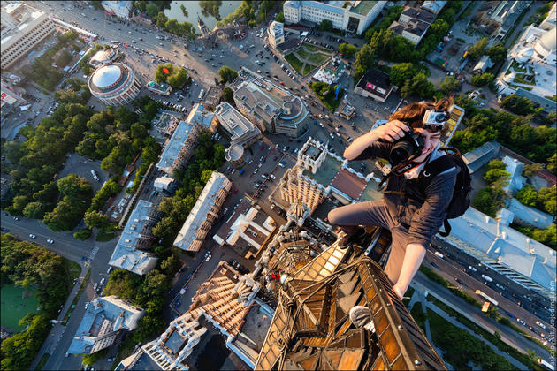 Crazy Russian Climbers on the top of Moscow