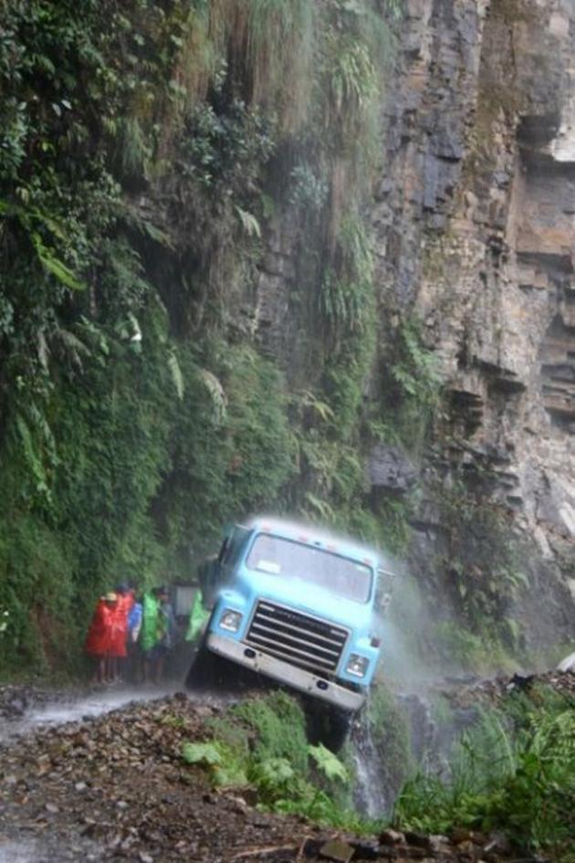Road of death yungas bolivia i like to waste my time