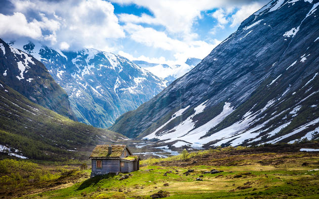 Norwegian Cabin HD Wallpaper