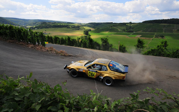 Porsche Rally HD Wallpaper
