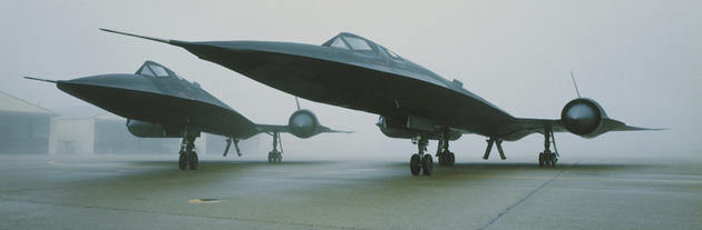 'Two SR71's' from the web at 'http://iliketowastemytime.com/sites/default/files/imagecache/blog_image/sr71_blackbird2.jpg'