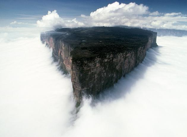 Mt Roraima in Venezuela by Uew George