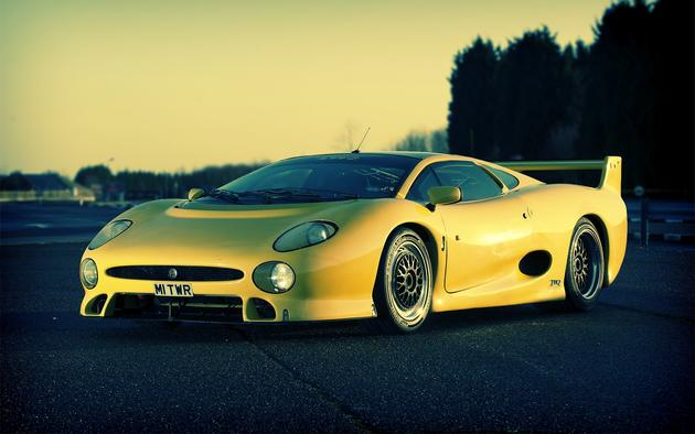 Jaguar XJ220S Yellow Front View