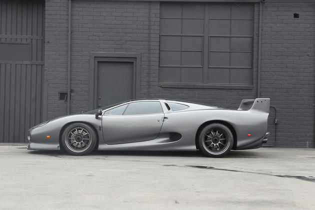 Jaguar XJ220S Side View