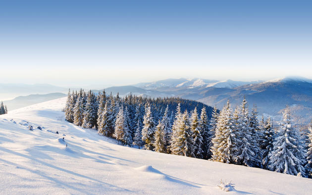 Winter in the mountains wallpaper