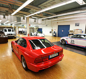 A secret well kept bmw garage i like to waste my time for Garage bmw 33