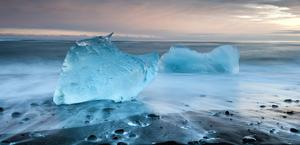 Icebergs on the beach HD Wallpaper