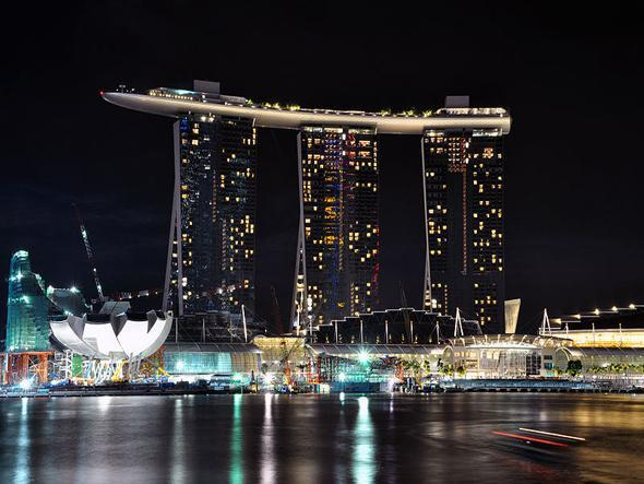 Marina bay sands hotel singapore i like to waste my time for Most luxurious hotel in singapore