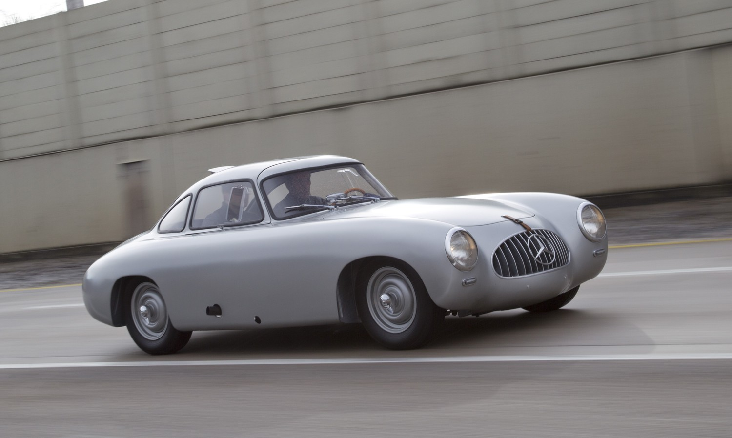 A mind blowing restoration of the 2nd 300 sl ever made 14 for Mercedes benz second