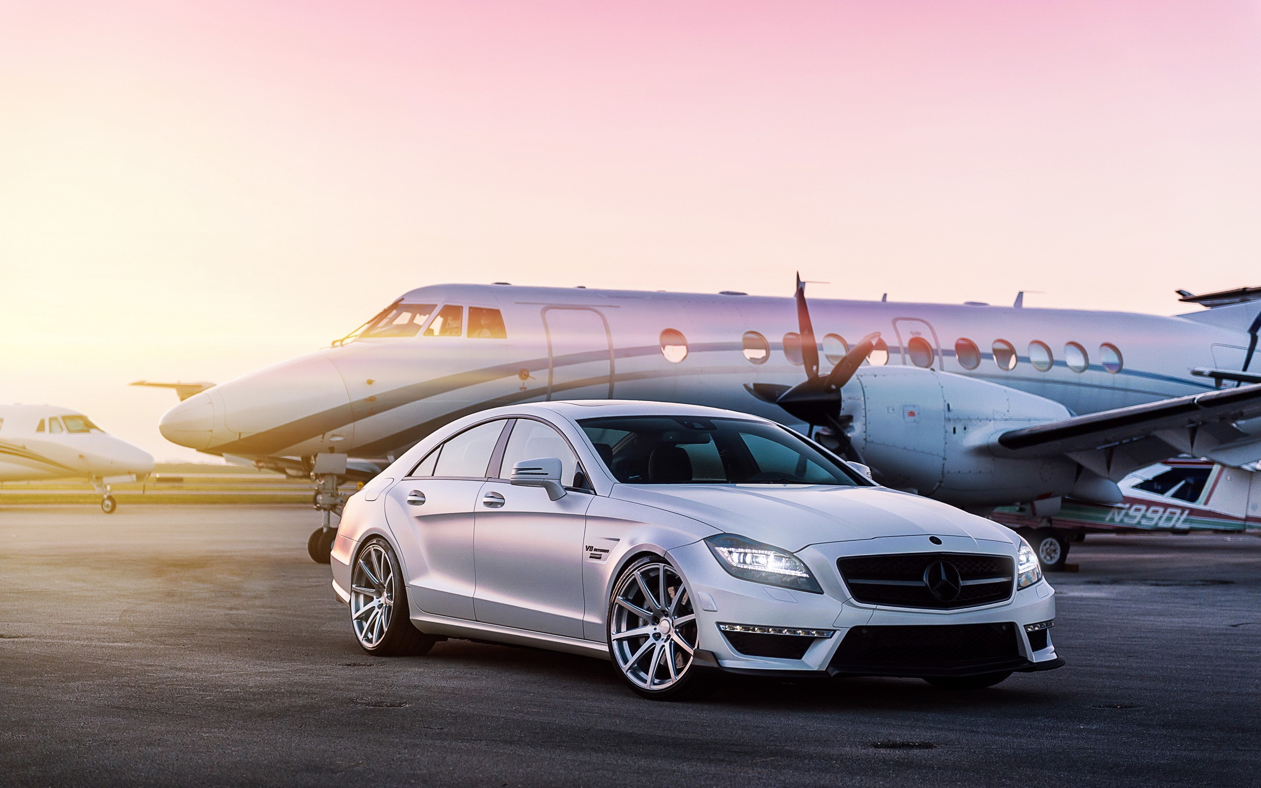 Daily Wallpaper Mercedes Cls63 Amg I Like To Waste My Time