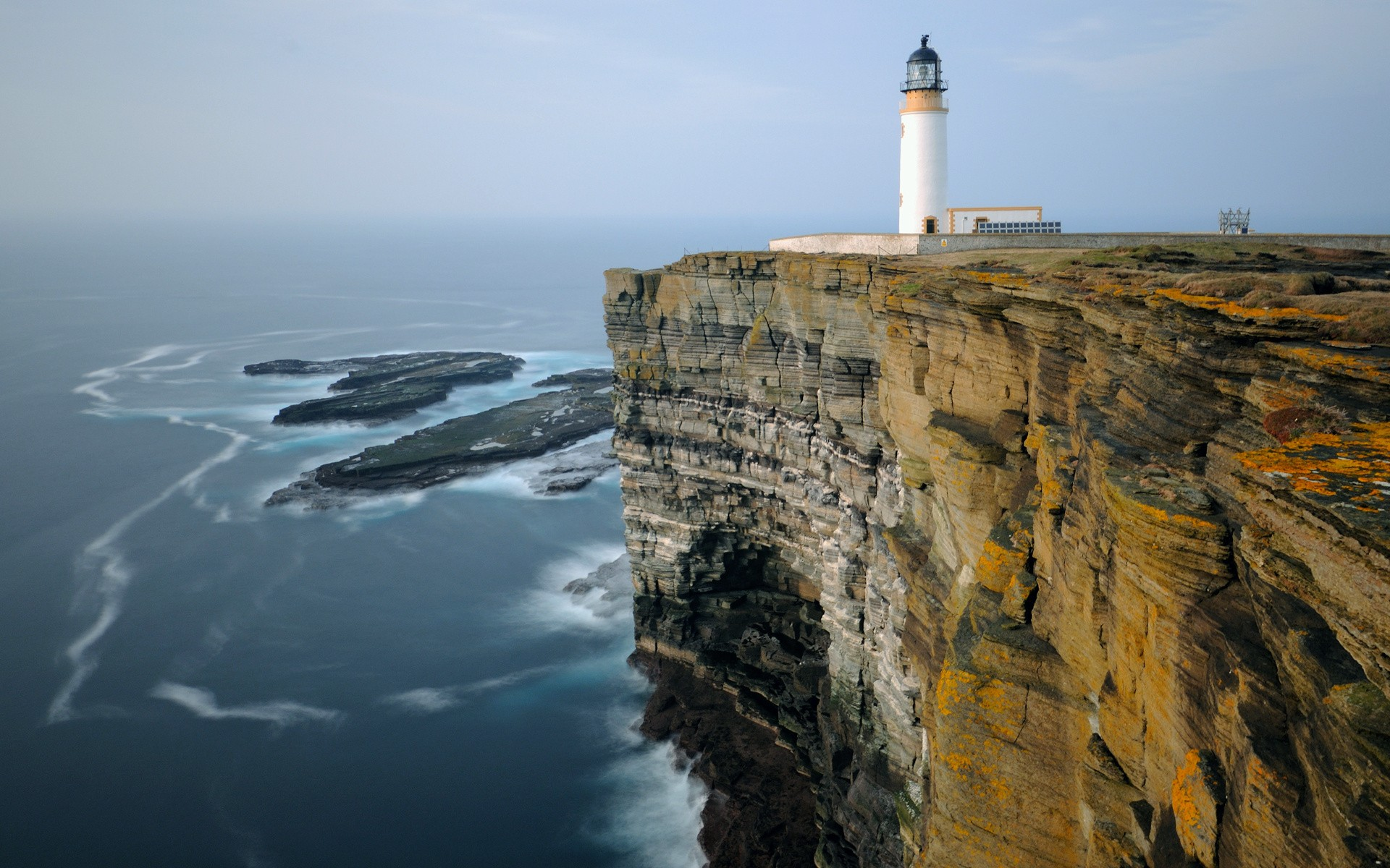daily wallpaper: noup head lighthouse, scotland | i like to waste my