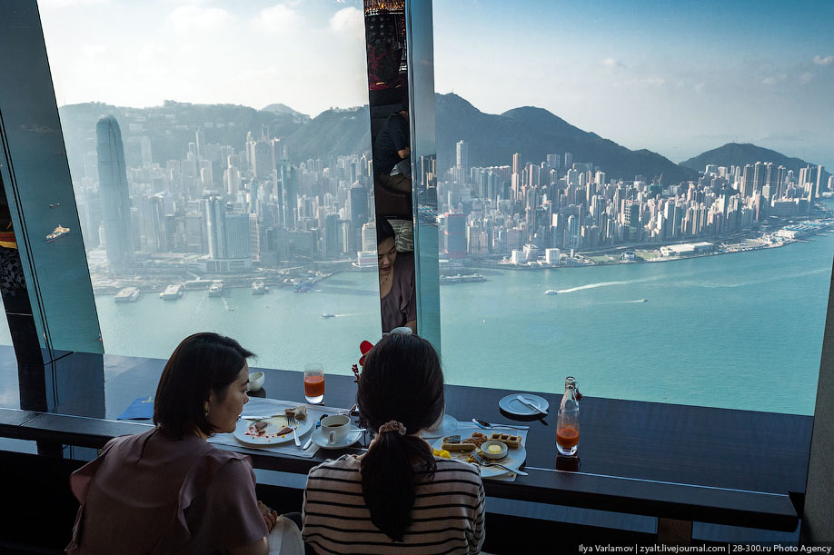 The Tallest Hotel In The World 17 Pics I Like To Waste