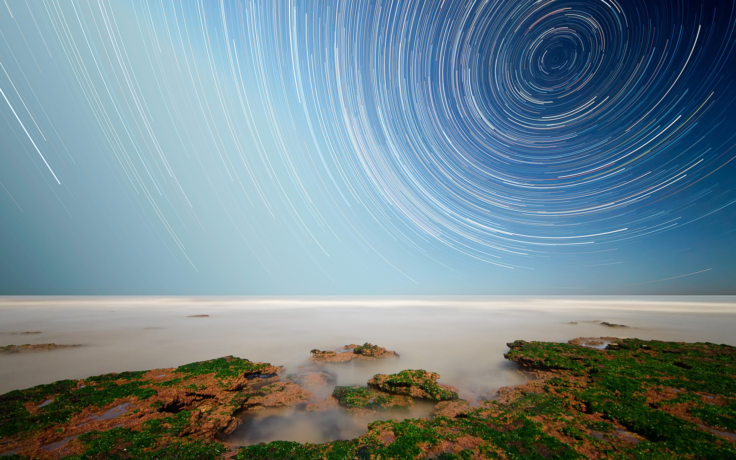 daily wallpaper: star trails | i like to waste my time