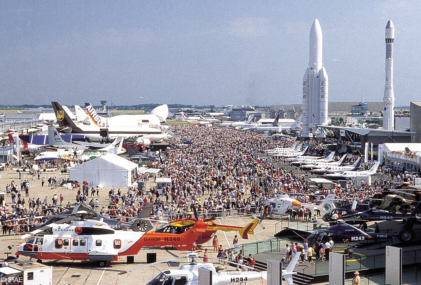 Le Bourget France  city photos gallery : Thousands of people attend this airshow, and it is definitely worth ...