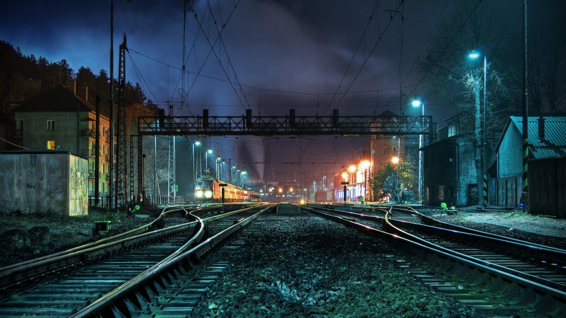 I Like To Waste My Time: Daily Wallpaper: The Train Station